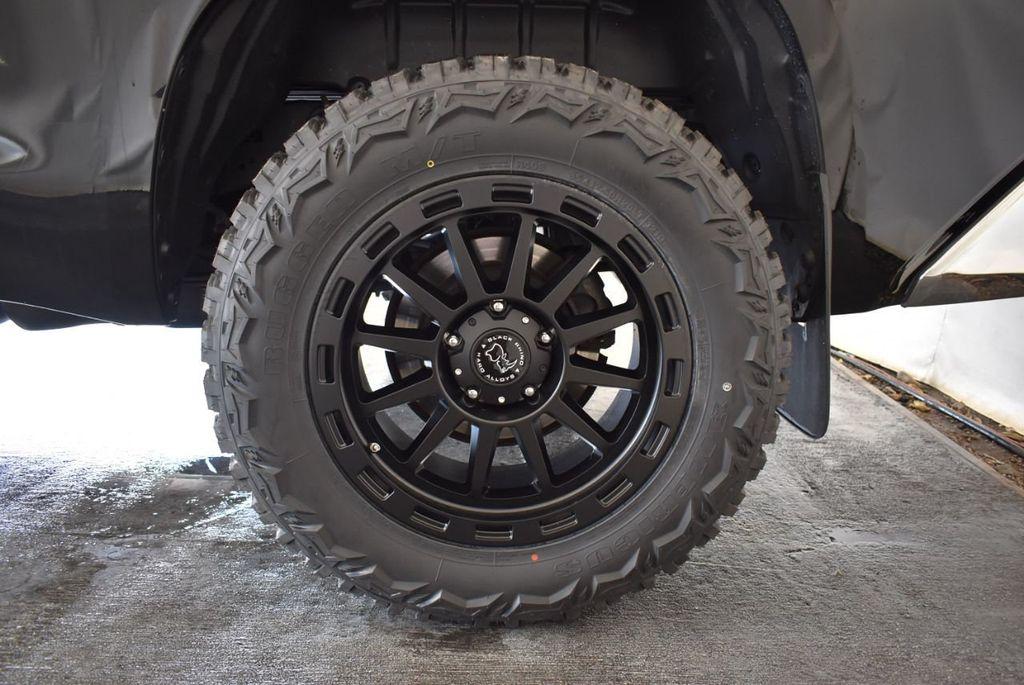 2016 Toyota Tundra Limited CrewMax 5.7L V8 FFV 4WD 6-Speed Automatic LTD - 18246535 - 8