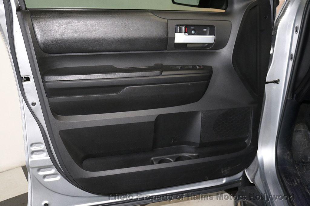 2016 Toyota Tundra SR5 CrewMax 5.7L V8 FFV 4WD 6-Speed Automatic - 18528509 - 10