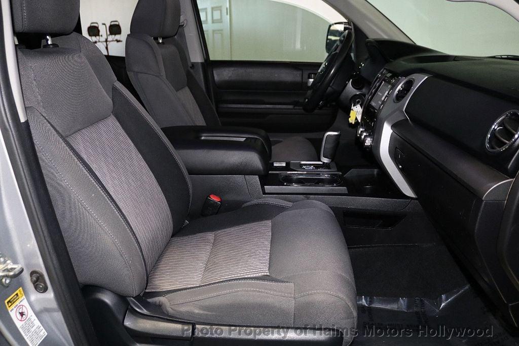 2016 Toyota Tundra SR5 CrewMax 5.7L V8 FFV 4WD 6-Speed Automatic - 18528509 - 14