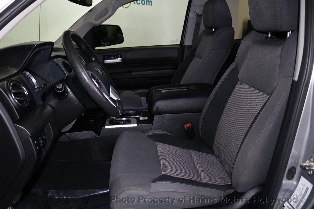 2016 Toyota Tundra SR5 CrewMax 5.7L V8 FFV 4WD 6-Speed Automatic - 18528509 - 17