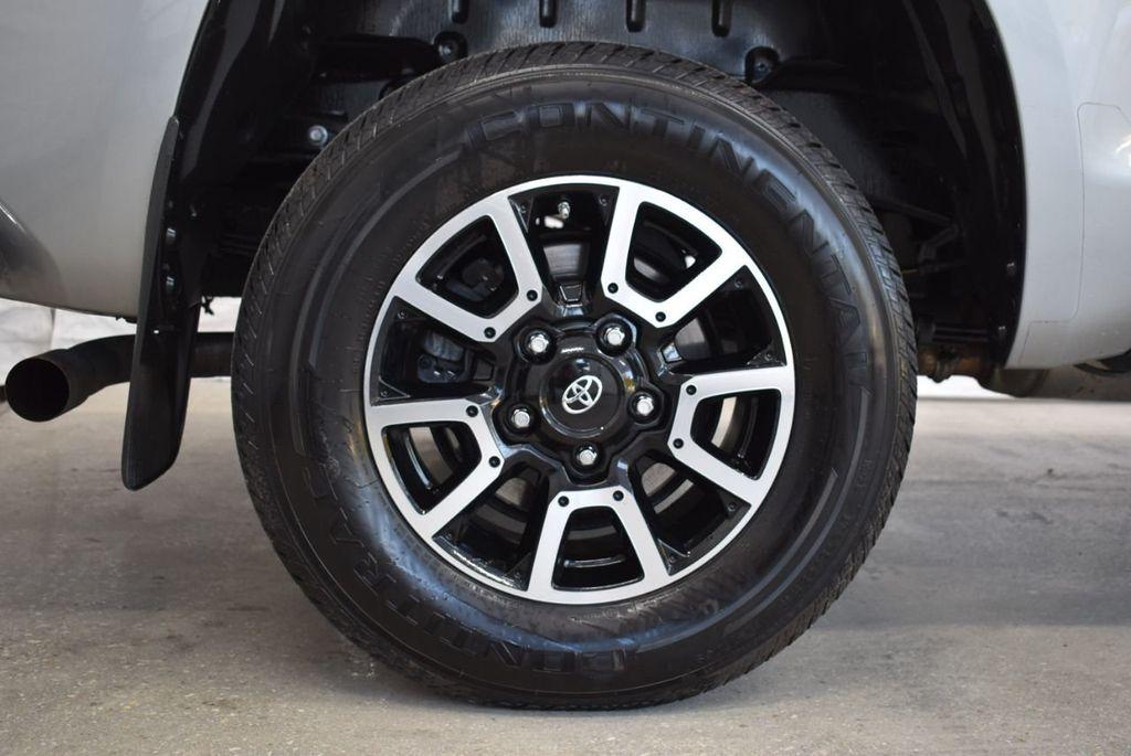 2016 Toyota Tundra SR5 CrewMax 5.7L V8 FFV 6-Speed Automatic - 18497677 - 9