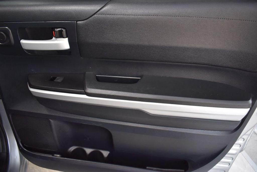 2016 Toyota Tundra SR5 CrewMax 5.7L V8 FFV 6-Speed Automatic - 18497677 - 15