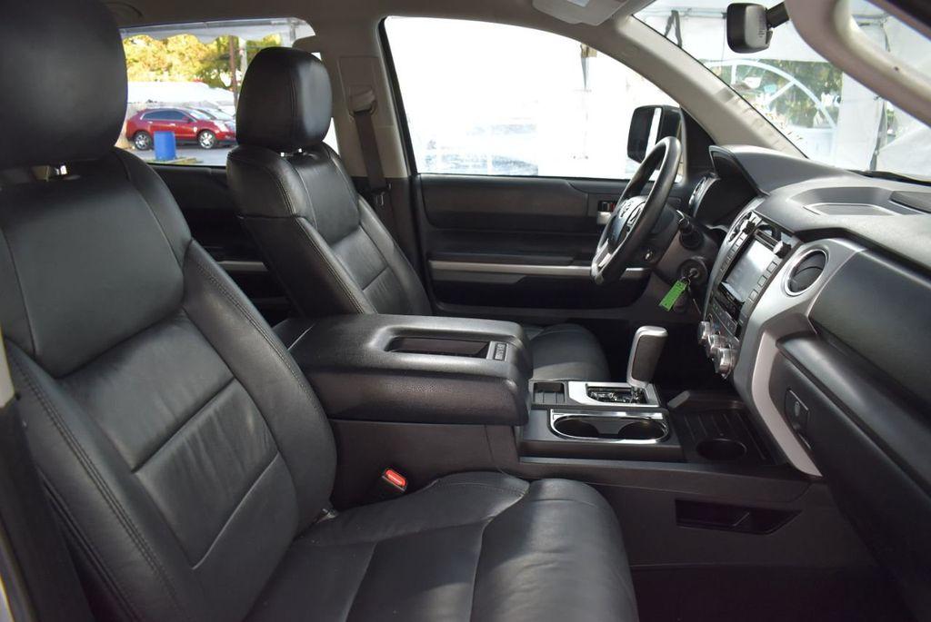 2016 Toyota Tundra SR5 CrewMax 5.7L V8 FFV 6-Speed Automatic - 18497677 - 16