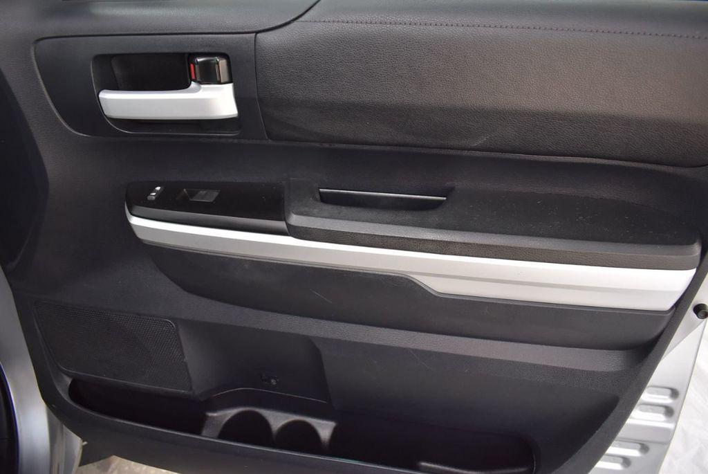 2016 Toyota Tundra SR5 CrewMax 5.7L V8 FFV 6-Speed Automatic - 18497677 - 17