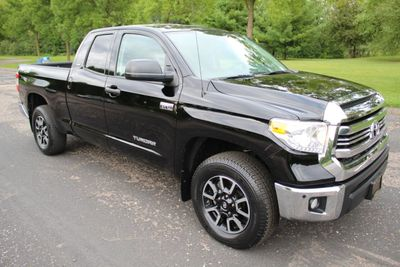 2016 Toyota Tundra TRD OFF ROAD DOUBLE CAB 5.7L w/NEW MICHELINS Truck