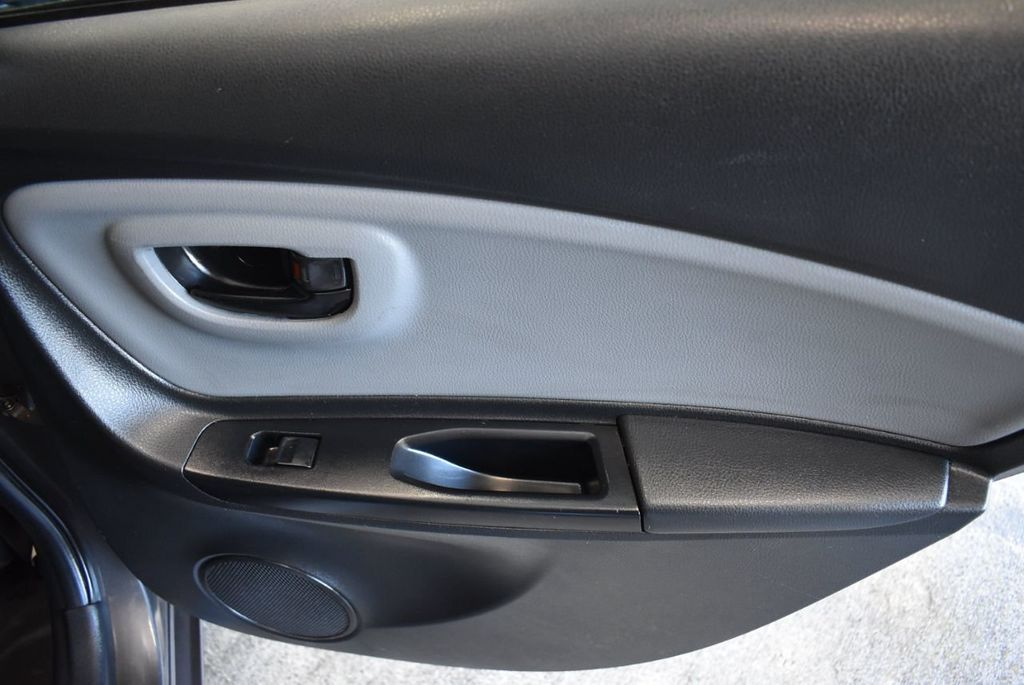 2016 Toyota Yaris 5dr Liftback Automatic L - 18178067 - 20