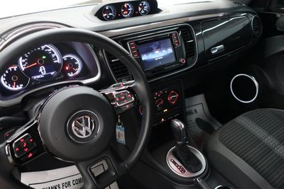 2016 Volkswagen Beetle Coupe COUPE 2DR DSG 2.0T R-LINE Coupe - Click to see full-size photo viewer