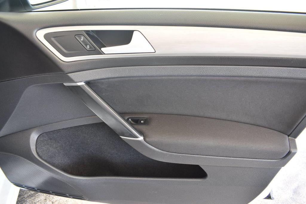 2016 Volkswagen Golf TSI 2dr Hatchback Manual - 18078932 - 24
