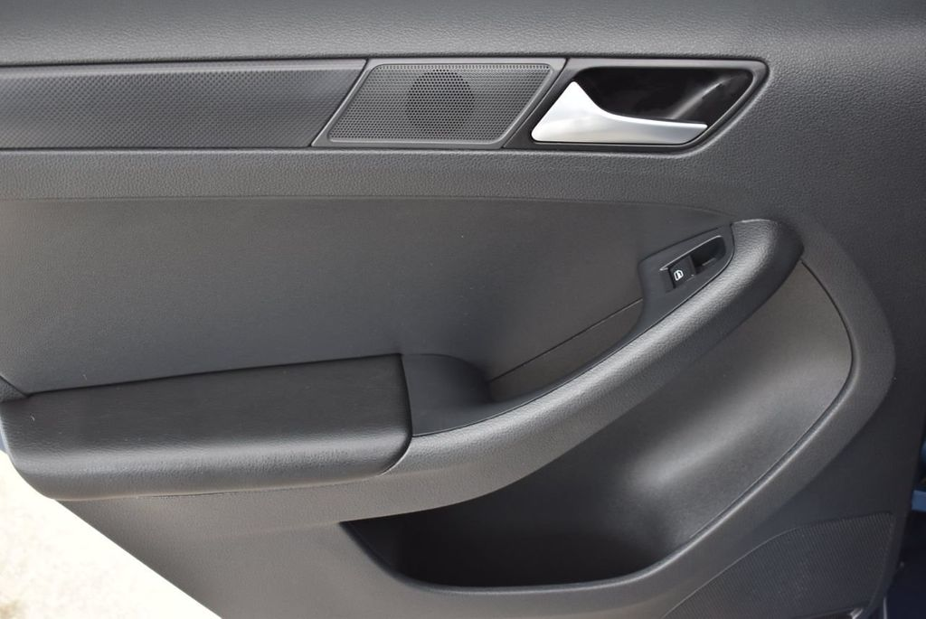 2016 Volkswagen Jetta Sedan  - 18550549 - 11