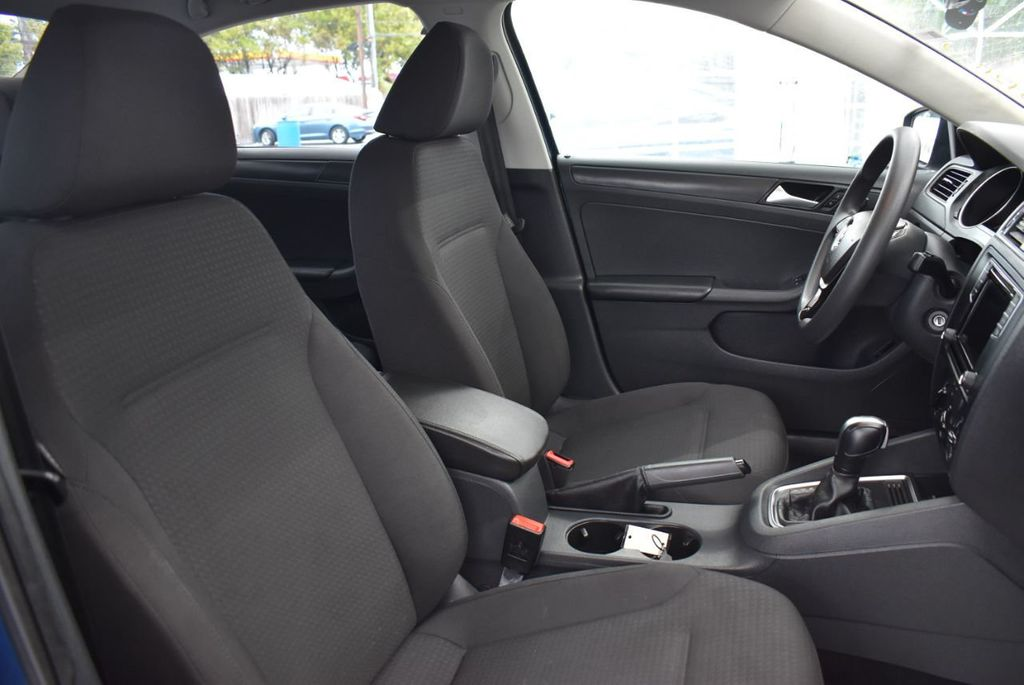 2016 Volkswagen Jetta Sedan  - 18550549 - 14