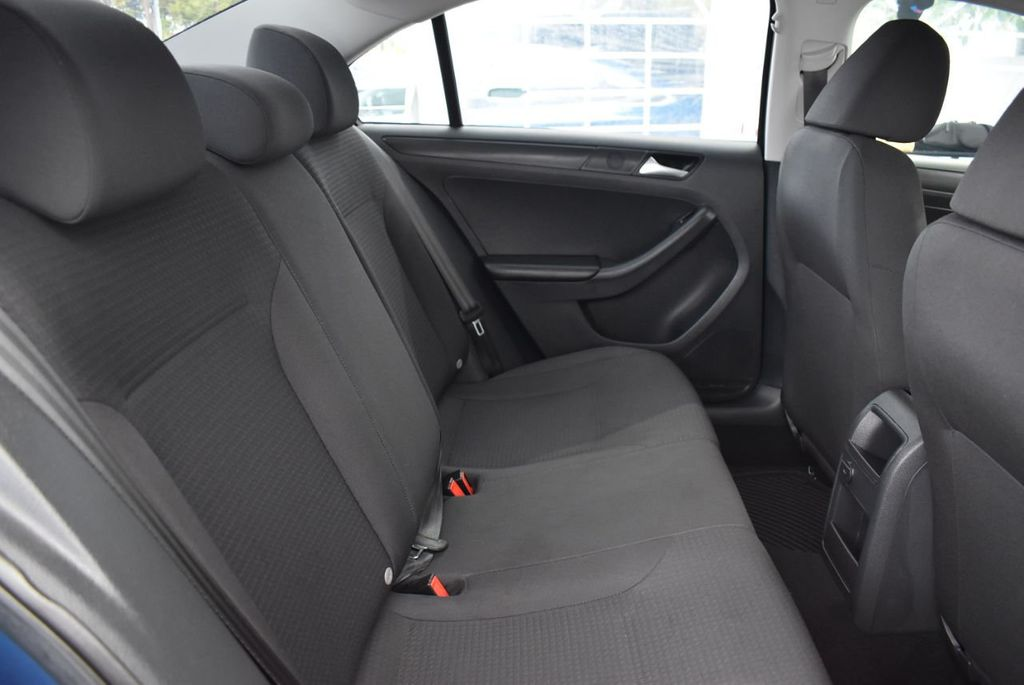 2016 Volkswagen Jetta Sedan  - 18550549 - 16