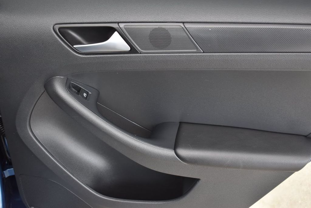 2016 Volkswagen Jetta Sedan  - 18550549 - 17