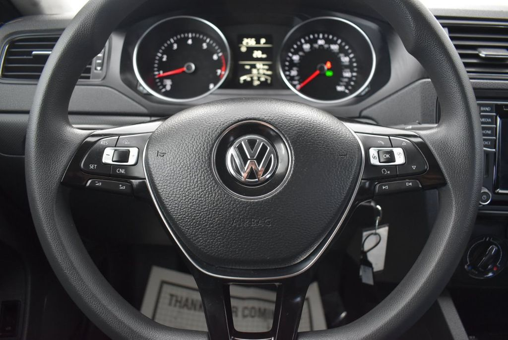 2016 Volkswagen Jetta Sedan  - 18550549 - 19