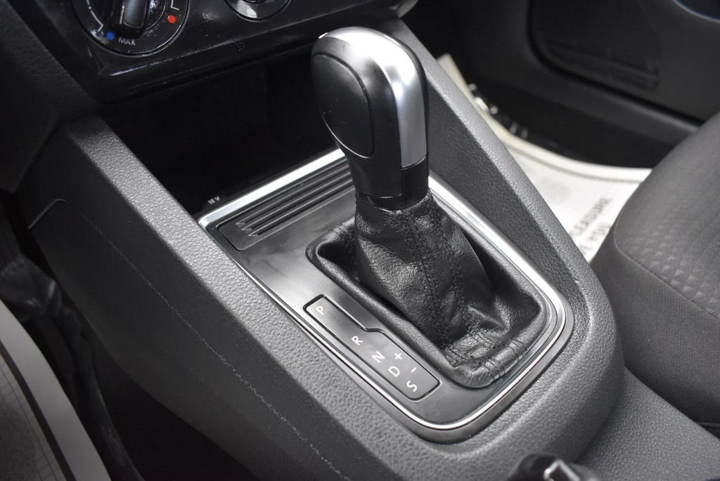 2016 Volkswagen Jetta Sedan  - 18550549 - 23