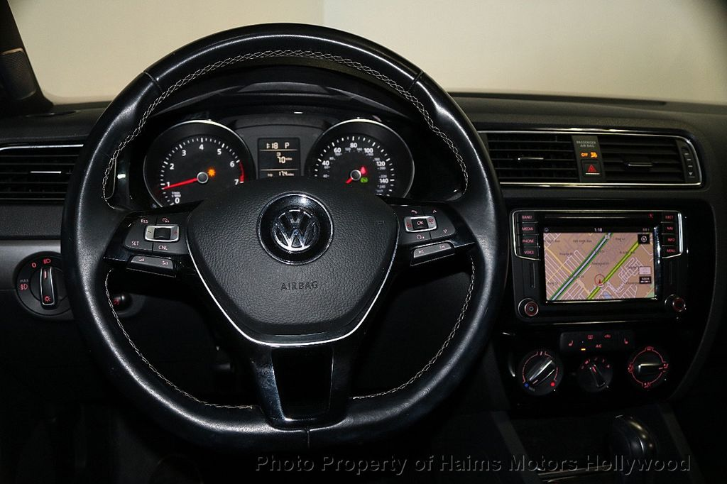 2016 Volkswagen Jetta Sedan 1.8T Sport PZEV 4dr Automatic - 17558781 - 28