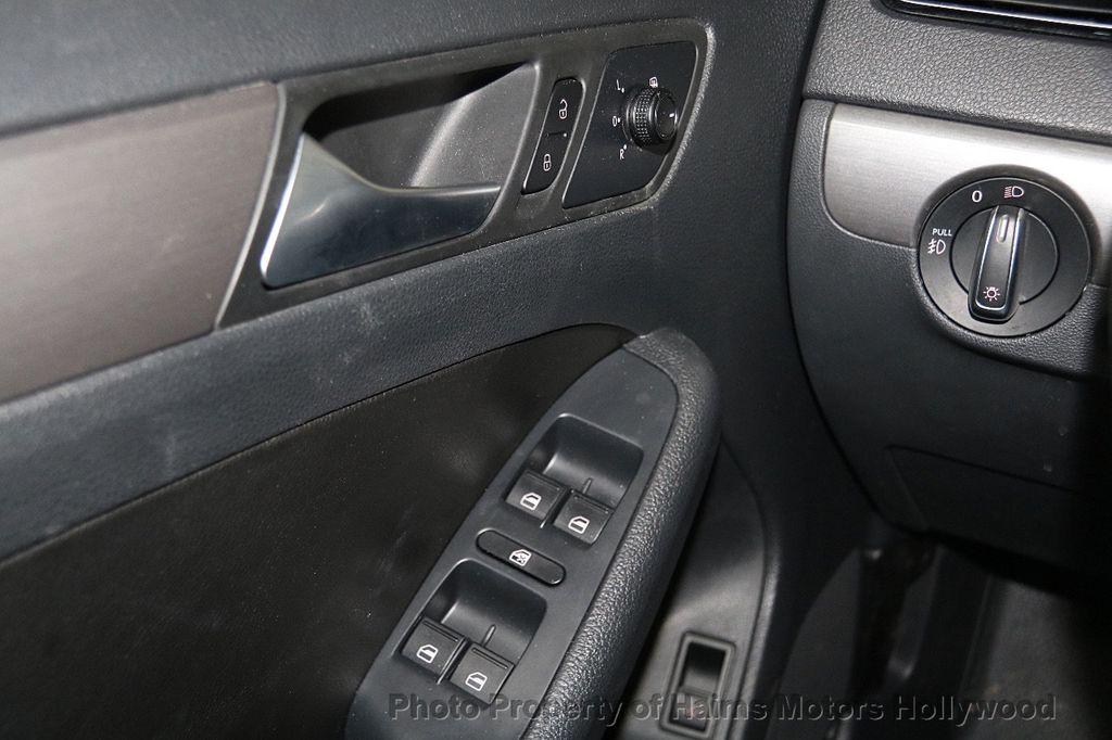 2016 Volkswagen Jetta Sedan 1.8T Sport PZEV 4dr Manual - 17271625 - 25