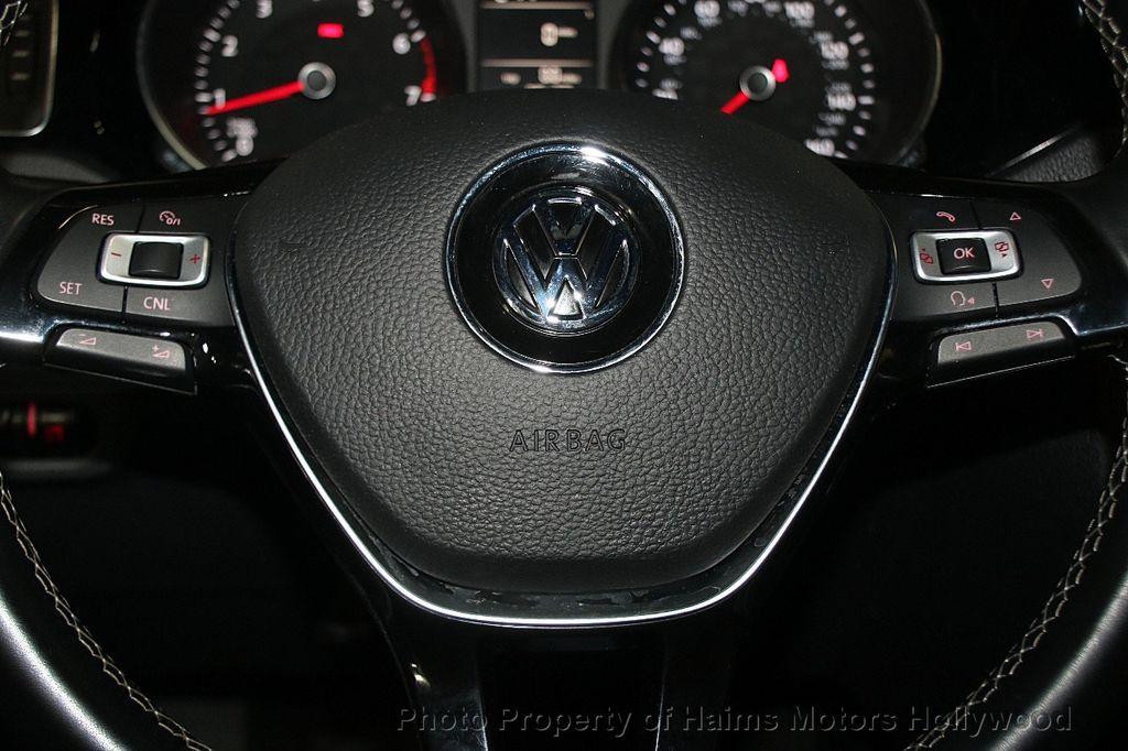 2016 Volkswagen Jetta Sedan 1.8T Sport PZEV 4dr Manual - 17271625 - 28