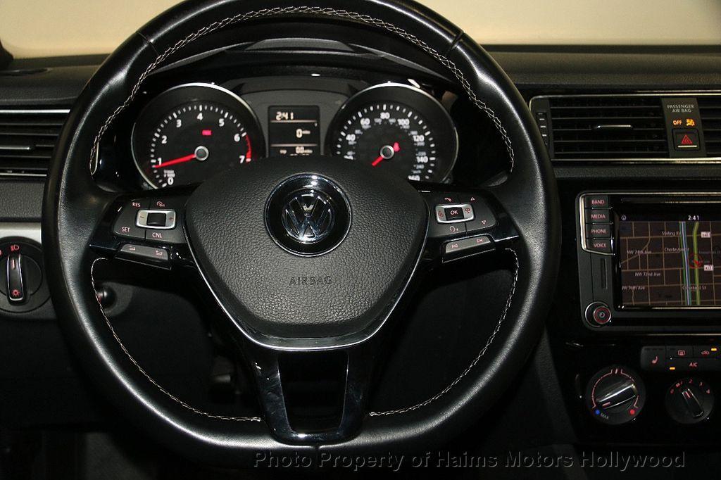 2016 Volkswagen Jetta Sedan 1.8T Sport PZEV 4dr Manual - 17271625 - 29