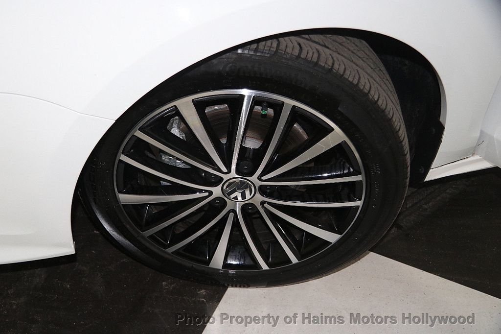 2016 Volkswagen Jetta Sedan 1.8T Sport PZEV 4dr Manual - 17271625 - 34