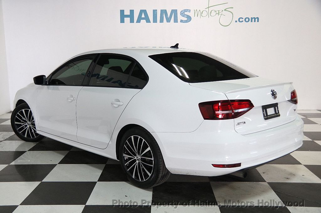 2016 Volkswagen Jetta Sedan 1.8T Sport PZEV 4dr Manual - 17271625 - 4