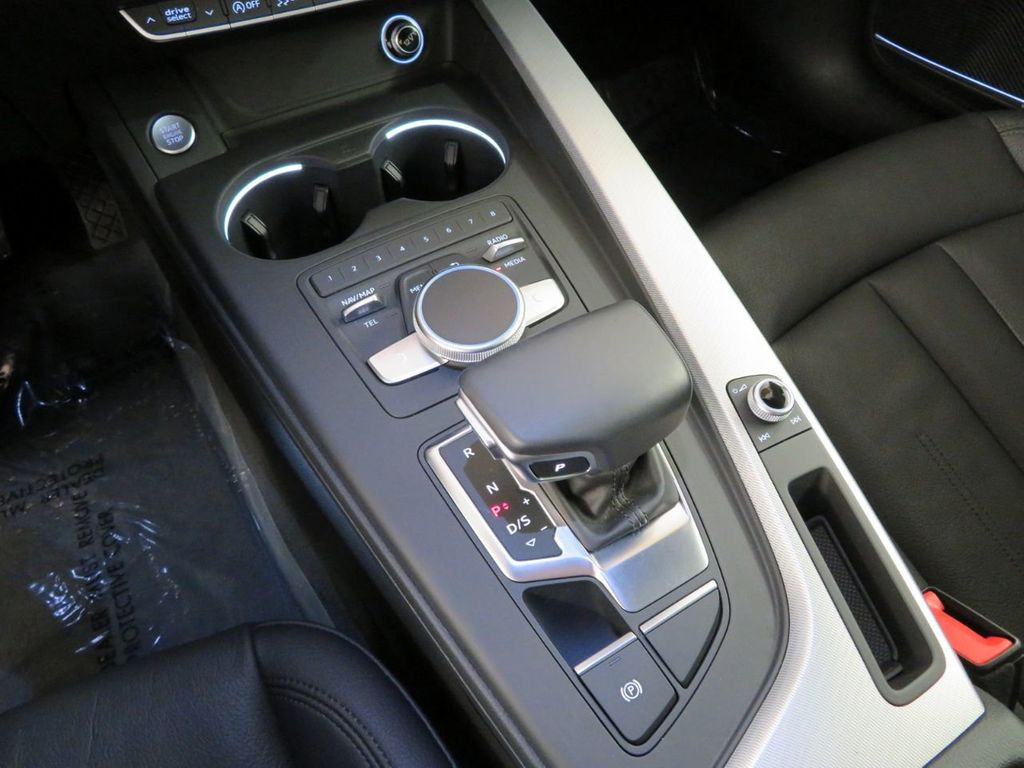 2017 Audi A4 2.0 TFSI ultra Premium Plus FWD - 18406479 - 26