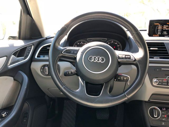 2017 Audi Q3 2.0 TFSI Premium FWD - Click to see full-size photo viewer