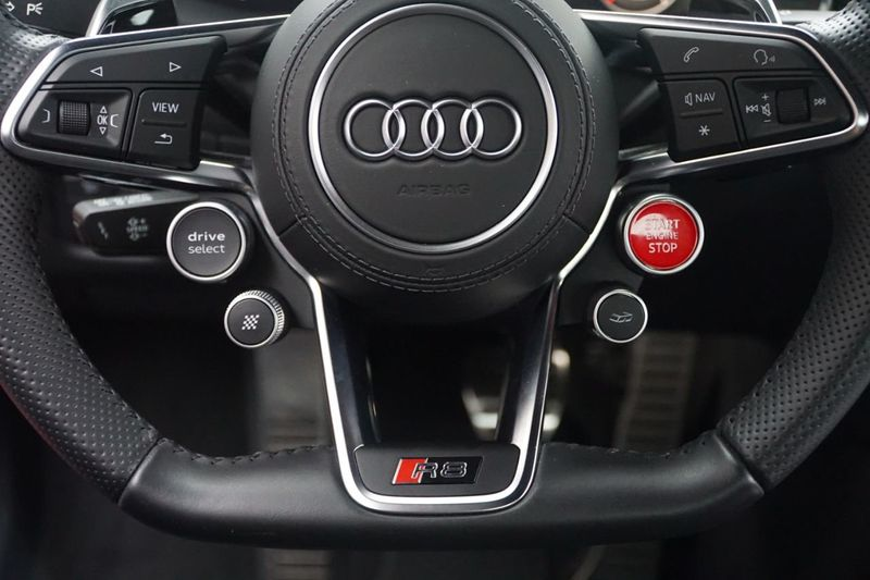 2017 Audi R8 Coupe V10 plus quattro AWD - Click to see full-size photo viewer