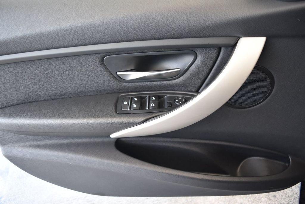 2017 BMW 3 Series 320i - 18010729 - 13