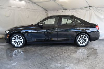2017 BMW 3 Series 320i - Click to see full-size photo viewer