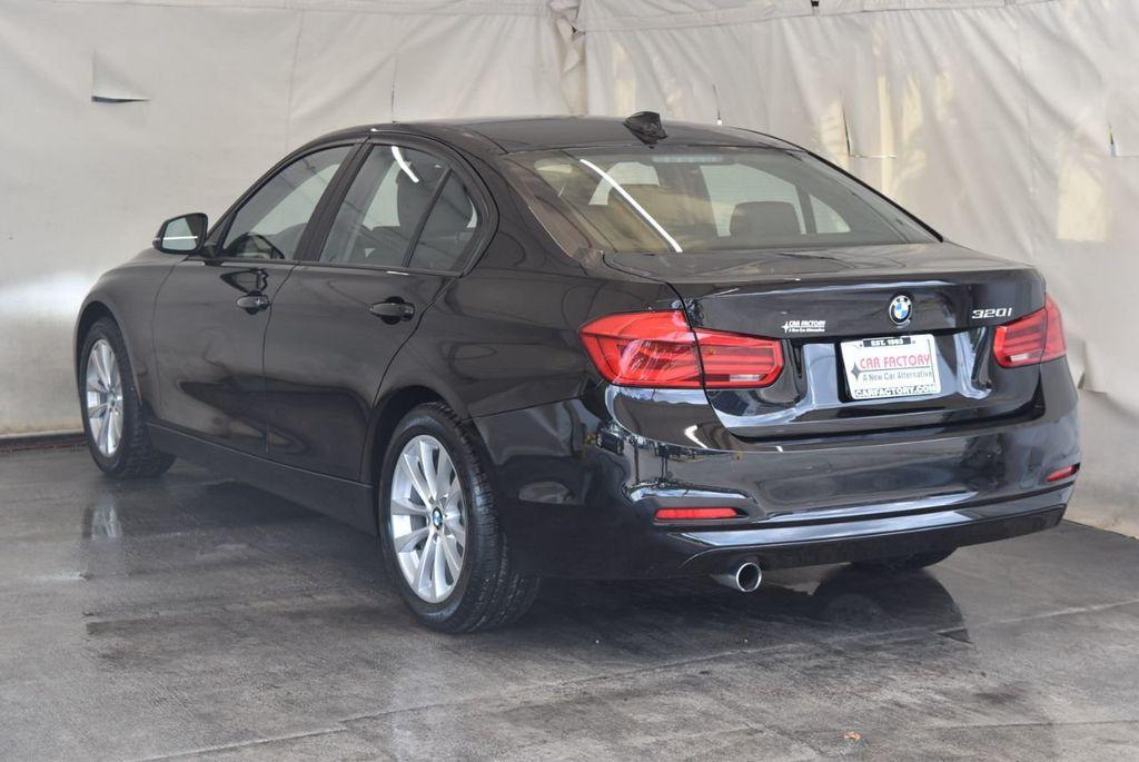 2017 BMW 3 Series 320i - 18010729 - 5