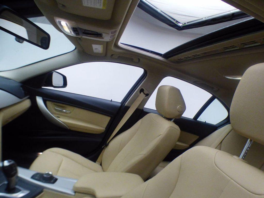2017 BMW 3 Series 320i xDrive - 16793998 - 9