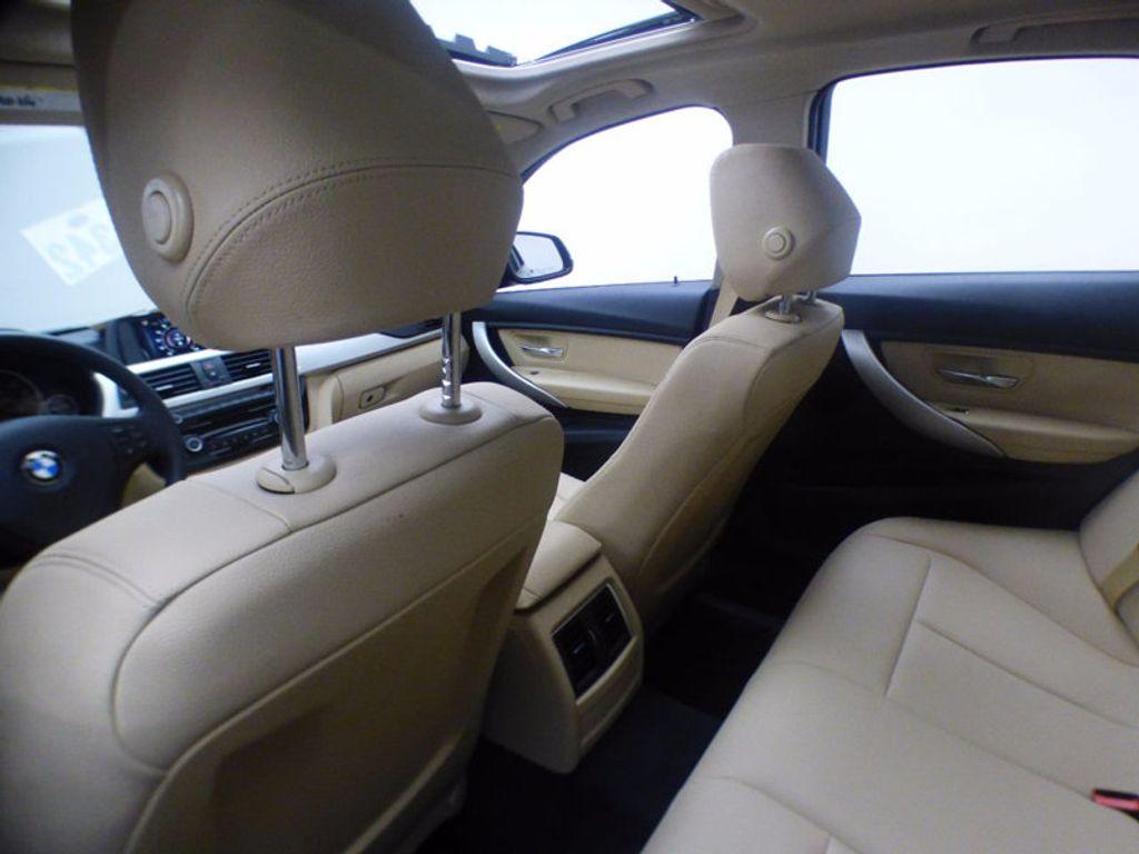 2017 BMW 3 Series 320i xDrive - 16793998 - 11