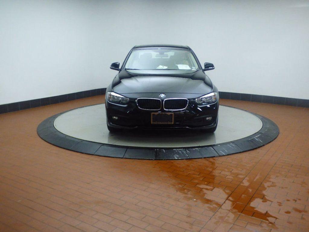 2017 BMW 3 Series 320i xDrive - 16793998 - 1