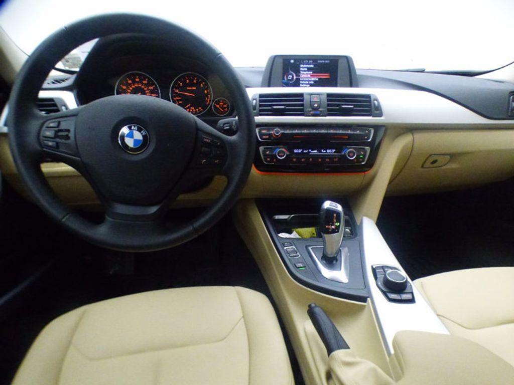 2017 BMW 3 Series 320i xDrive - 16793998 - 21