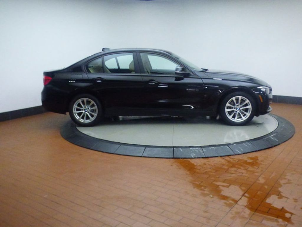 2017 BMW 3 Series 320i xDrive - 16793998 - 6