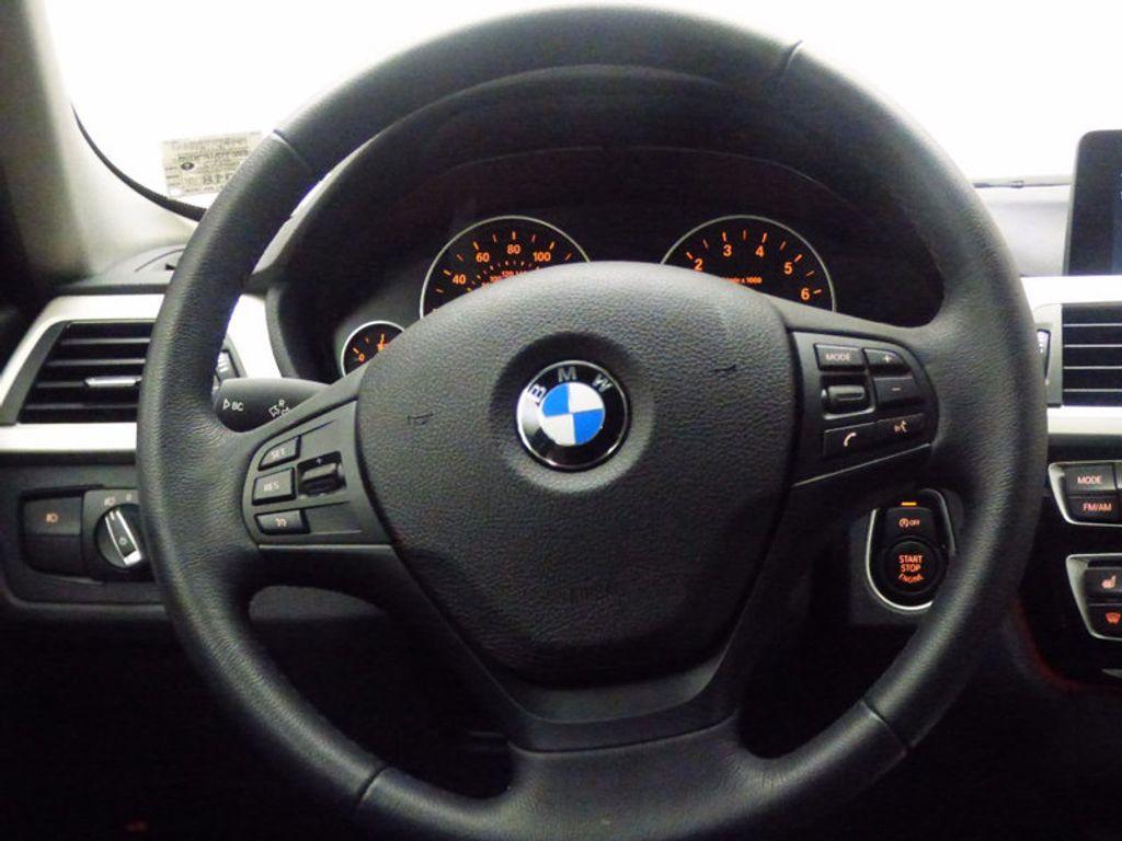2017 BMW 3 Series 320i xDrive - 16818652 - 9