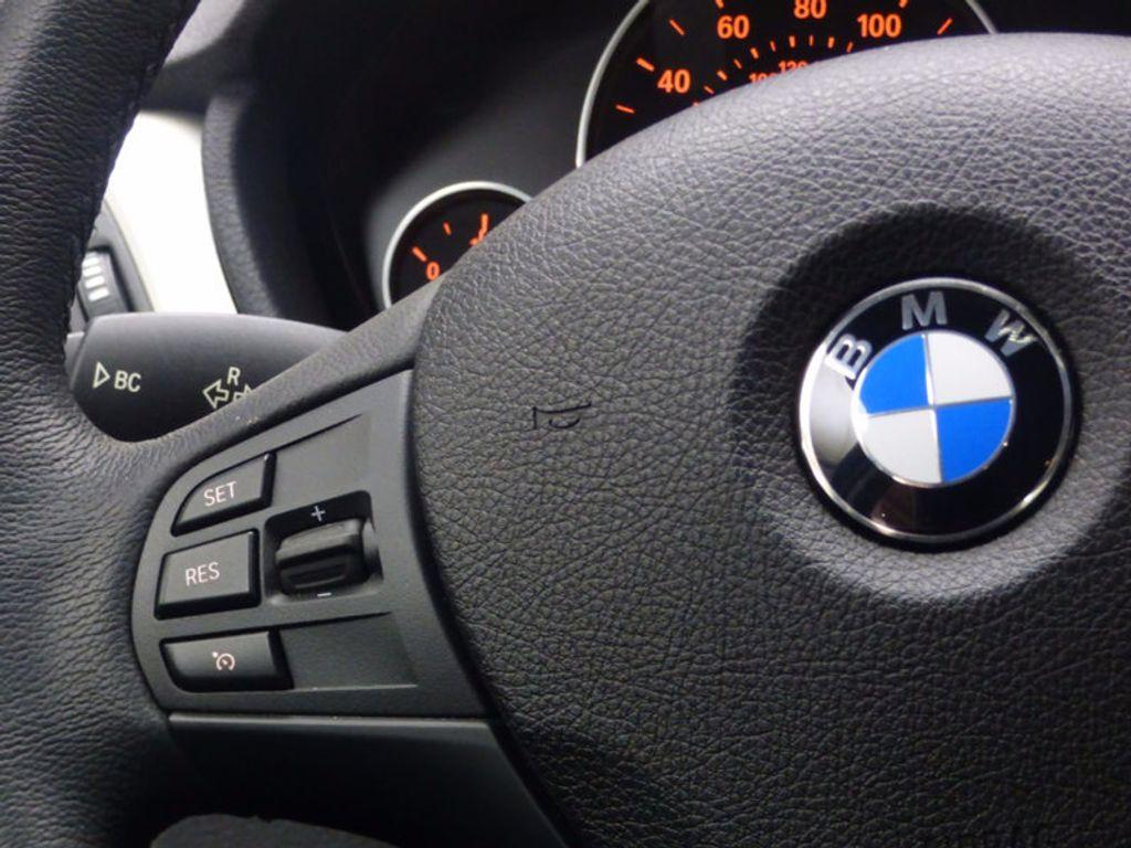 2017 BMW 3 Series 320i xDrive - 16818652 - 10