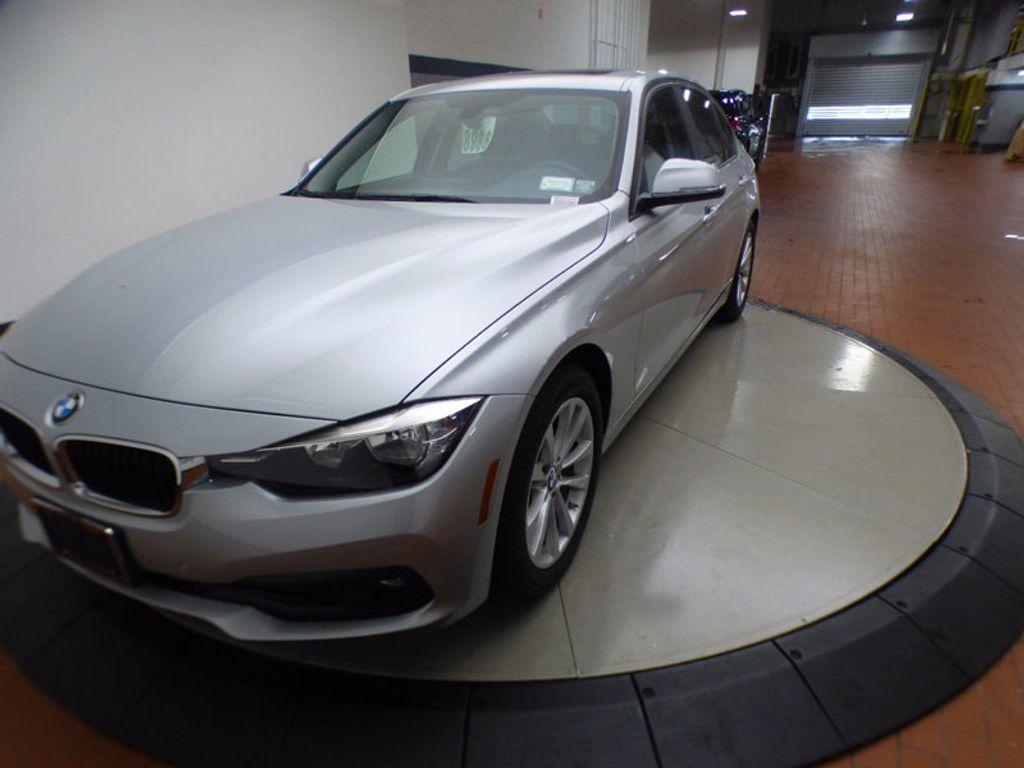 2017 BMW 3 Series 320i xDrive - 16818652 - 2