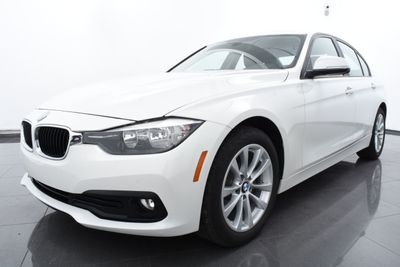 2017 BMW 3 Series 320i xDrive - Click to see full-size photo viewer