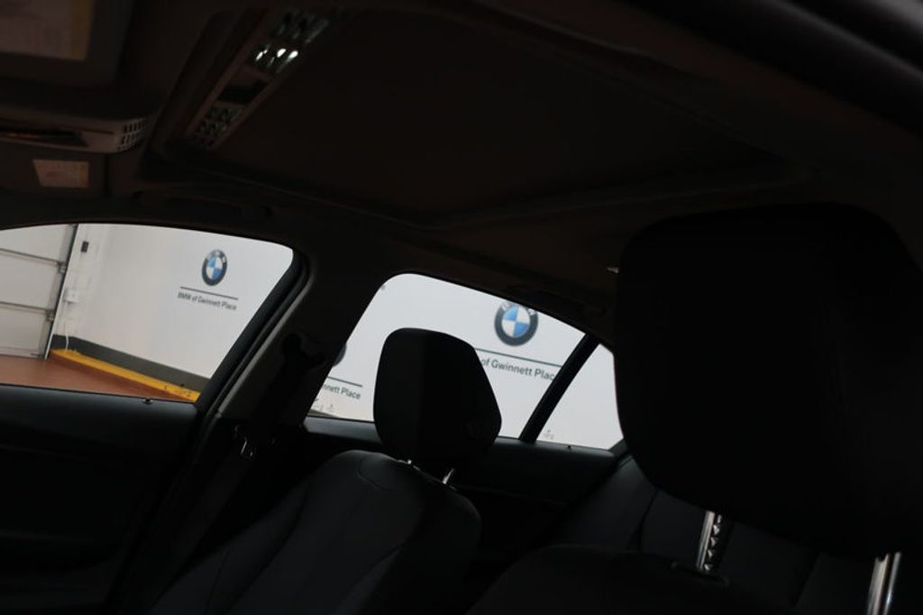 2017 BMW 3 Series 320i xDrive - 16704751 - 15