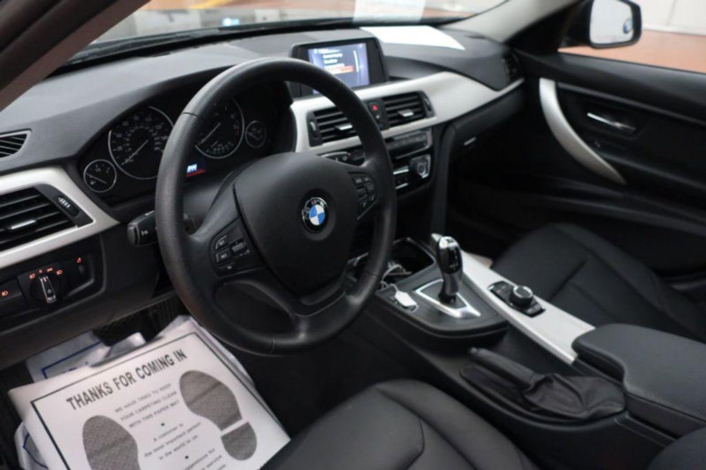 2017 BMW 3 Series 320i xDrive - 16704751 - 16