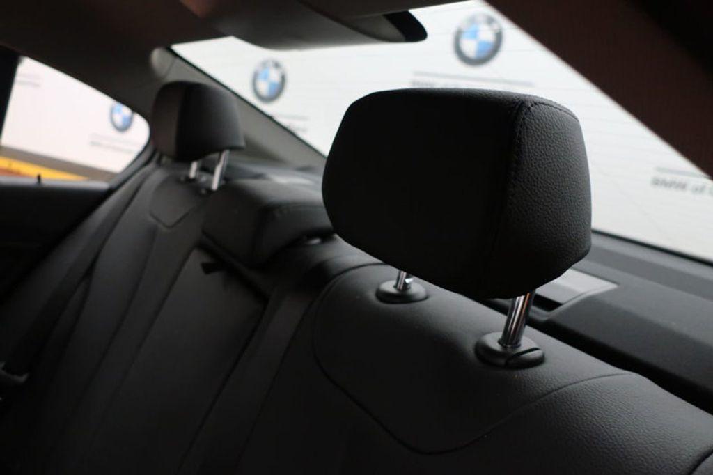 2017 BMW 3 Series 320i xDrive - 16704751 - 22