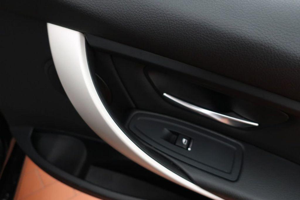 2017 BMW 3 Series 320i xDrive - 16704751 - 25