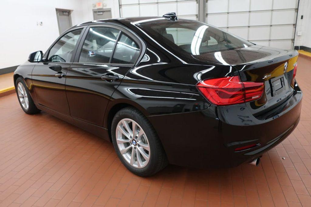 2017 BMW 3 Series 320i xDrive - 16704751 - 2