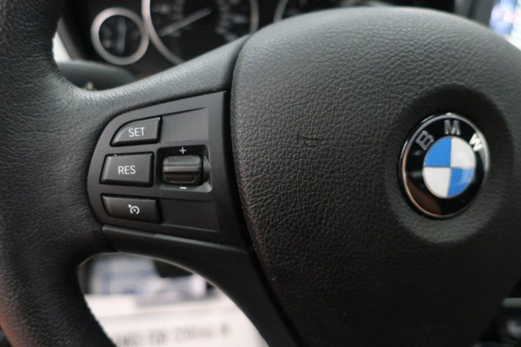 2017 BMW 3 Series 320i xDrive - 16704751 - 36