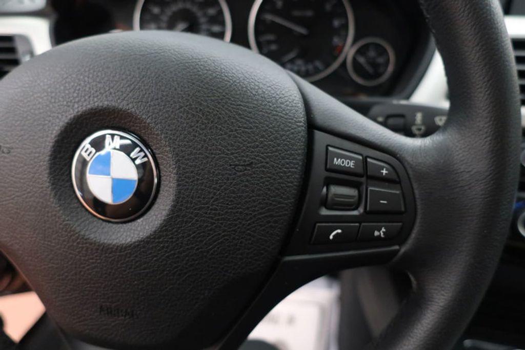 2017 BMW 3 Series 320i xDrive - 16704751 - 37