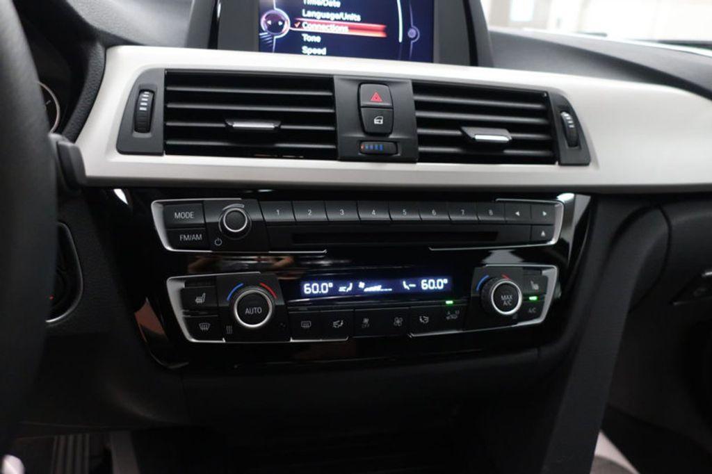 2017 BMW 3 Series 320i xDrive - 16704751 - 40