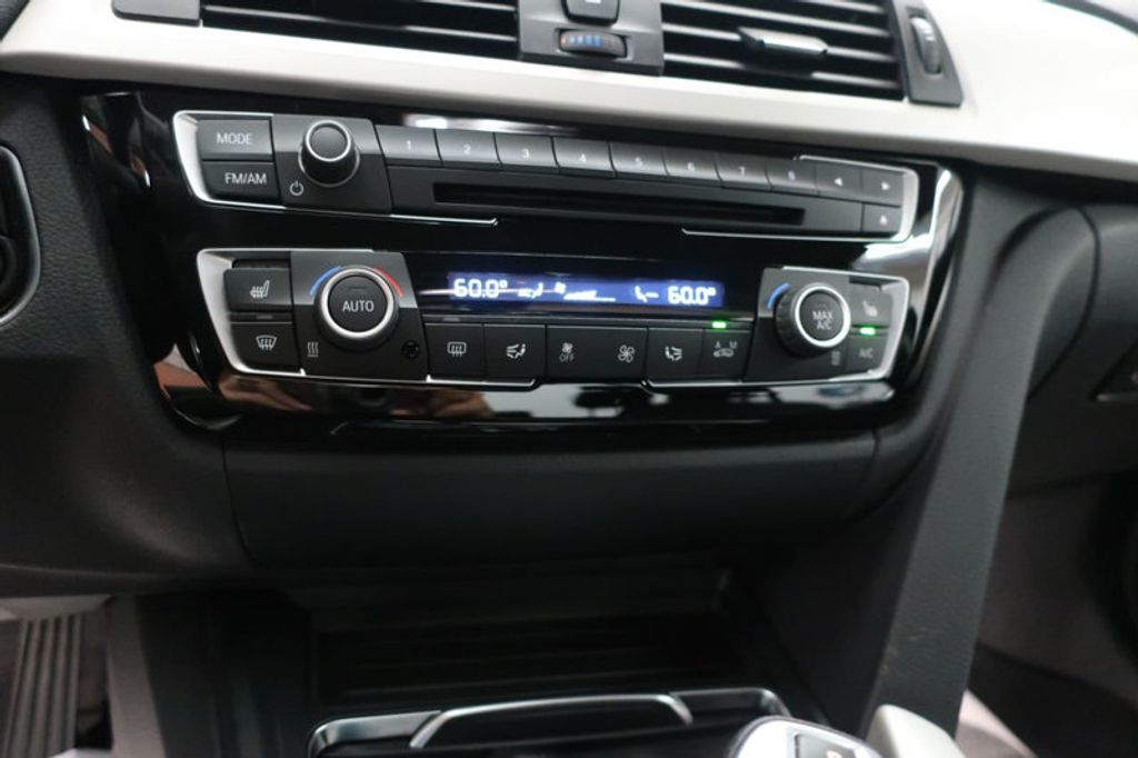 2017 BMW 3 Series 320i xDrive - 16704751 - 41