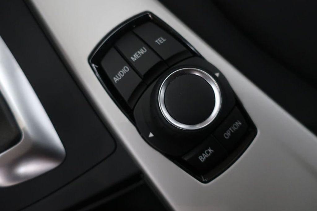 2017 BMW 3 Series 320i xDrive - 16704751 - 43