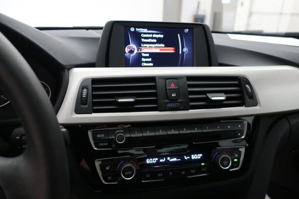 2017 BMW 3 Series 320i xDrive - 16704751 - 45